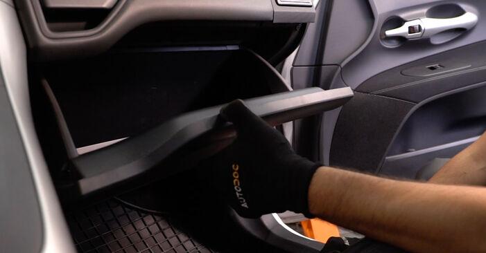 Wie Innenraumfilter Toyota Auris e15 1.4 D-4D (NDE150_) 2006 tauschen - Kostenlose PDF- und Videoanleitungen