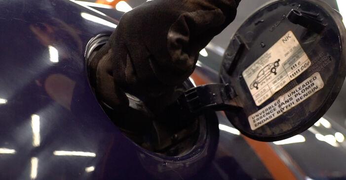 Hvordan skifte Drivstoffilter på OPEL Astra G CC (T98) 1998 – tips og triks