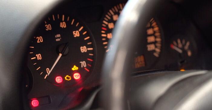 Trinn-for-trinn anbefalinger for hvordan du kan bytte Opel Astra g f48 1999 1.7 DTI 16V (F08, F48) Drivstoffilter selv