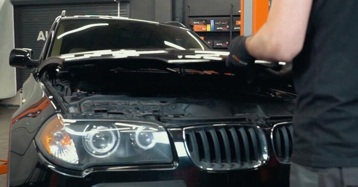 Hogyan BMW X3 E83 2003 Toronycsapágy cseréje - ingyenes PDF és videó-útmutatók