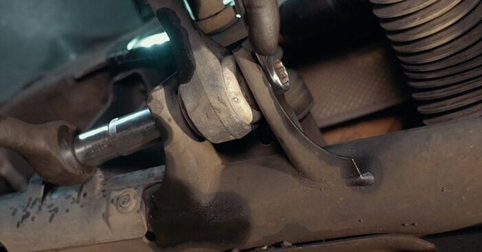 BMW X3 2.0 d Toronycsapágy cseréje: online leírások és videó-útmutatók