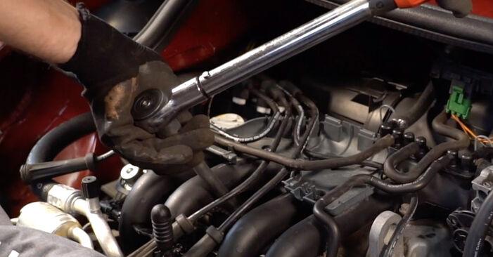 Zündkerzen Ihres Renault Twingo Mk1 1.2 2001 selbst Wechsel - Gratis Tutorial