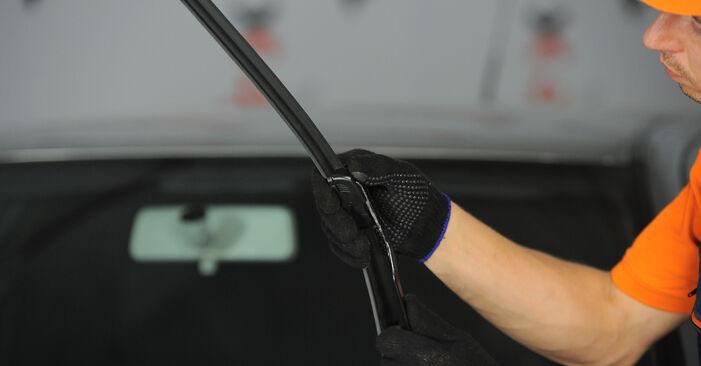 Ölfilter am FORD Fiesta Mk5 Schrägheck (JH1, JD1, JH3, JD3) 1.6 TDCi 2006 wechseln – Laden Sie sich PDF-Handbücher und Videoanleitungen herunter