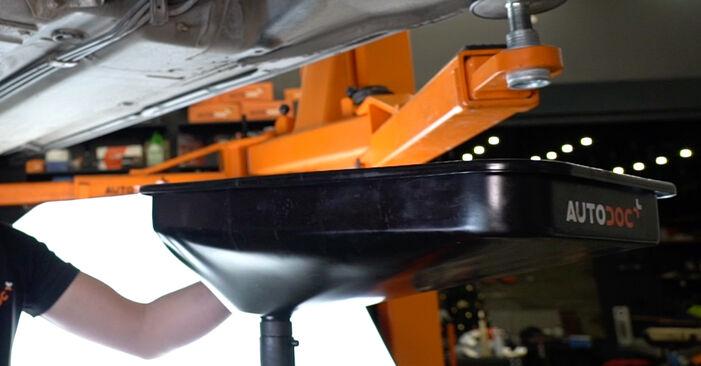 Kraftstofffilter am AUDI A6 Avant (4B5, C5) S6 4.2 quattro 2002 wechseln – Laden Sie sich PDF-Handbücher und Videoanleitungen herunter