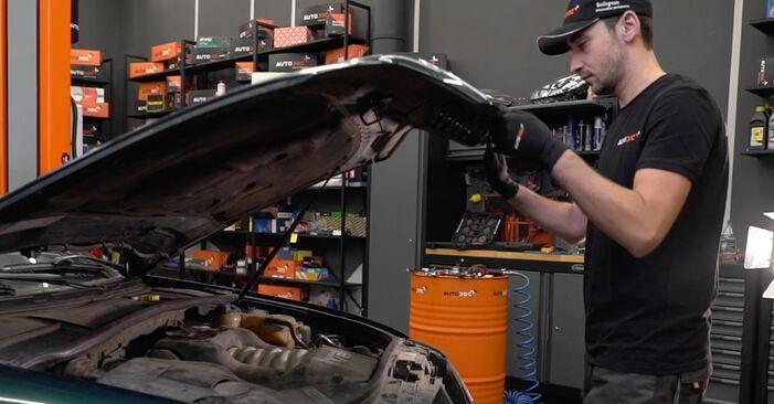 Jak vyměnit Olejovy filtr na Audi A6 C5 Avant 1997 - bezplatné PDF a video návody