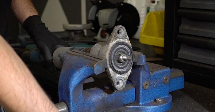 A6 Avant (4B5, C5) 1.8 T 1999 Stoßdämpfer - Tutorial zum selbstständigen Teilewechsel