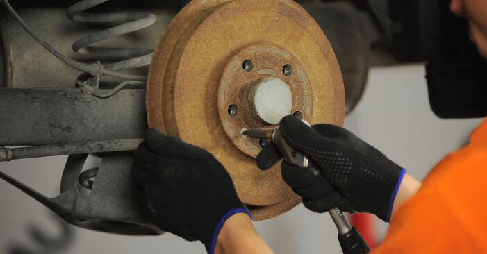 Bremstrommel am SKODA OCTAVIA (1U2) 1.4 16V 2001 wechseln – Laden Sie sich PDF-Handbücher und Videoanleitungen herunter