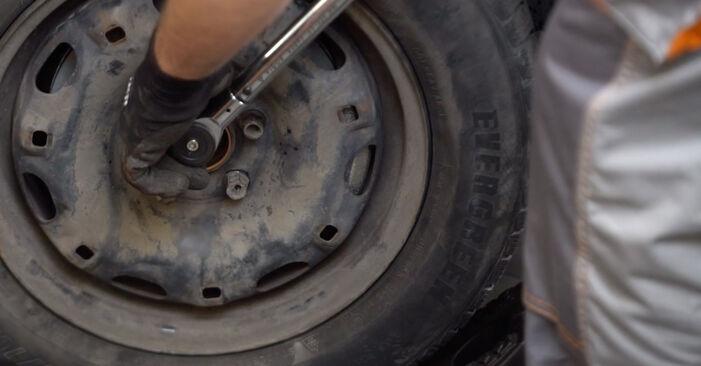 Spurstangenkopf beim VW POLO 1.2 12V 2008 selber erneuern - DIY-Manual