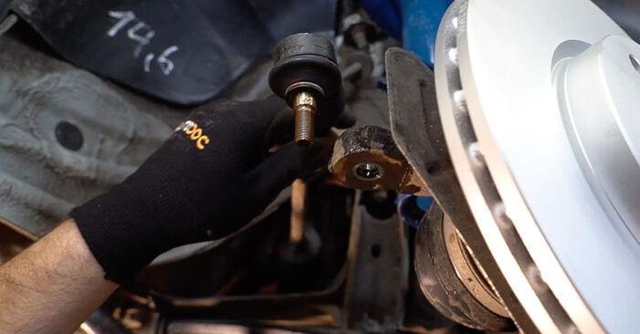 Zweckdienliche Tipps zum Austausch von Spurstangenkopf beim FIAT Doblo Cargo (223_) 1.9 D 2014
