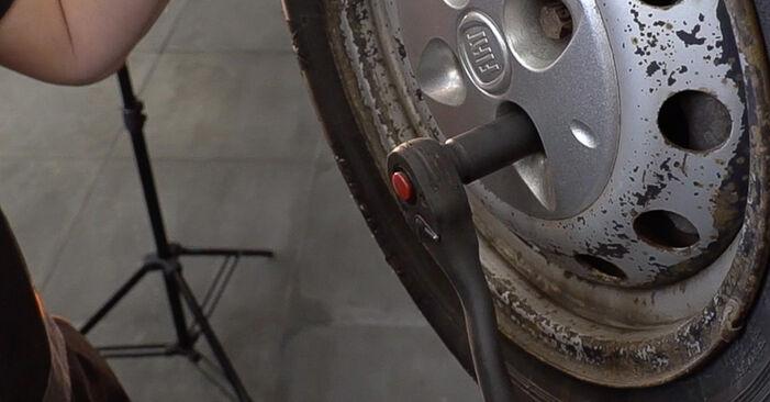 Wie schwer ist es, selbst zu reparieren: Spurstangenkopf Fiat Doblo Cargo 1.2 2006 Tausch - Downloaden Sie sich illustrierte Anleitungen