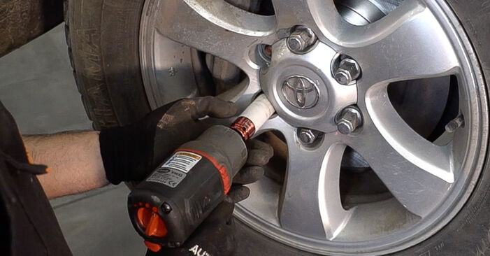Spurstangenkopf Ihres Toyota Prado J120 3.0 D-4D 2010 selbst Wechsel - Gratis Tutorial