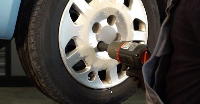 Trocar Ponteiras de Direcção no FIAT PUNTO (188) 1.9 JTD 80 2002 por conta própria