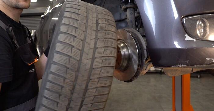 Wie BMW 3 SERIES 325i 2.5 2009 Spurstangenkopf ausbauen - Einfach zu verstehende Anleitungen online