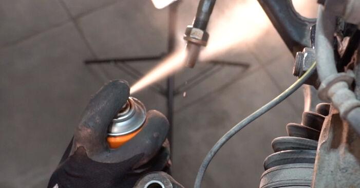 Schritt-für-Schritt-Anleitung zum selbstständigen Wechsel von Toyota RAV4 III 2009 2.0 (ZSA35_) Spurstangenkopf