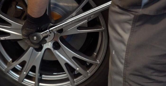 Schritt-für-Schritt-Anleitung zum selbstständigen Wechsel von Audi A4 B6 Avant 2002 2.5 TDI Spurstangenkopf