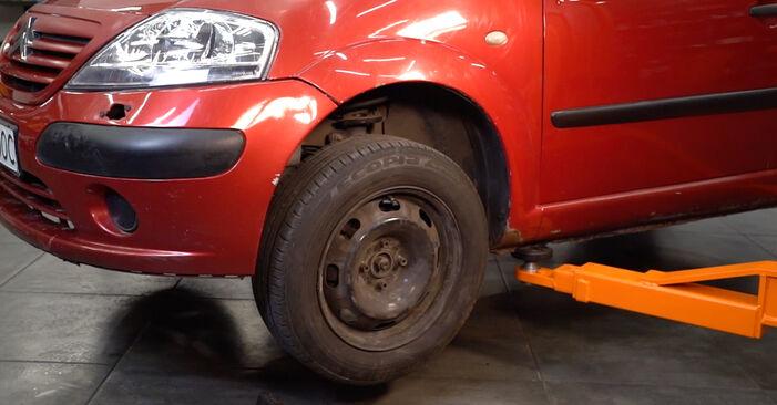 CITROËN C3 I (FC_) 1.4 i 2004 Skersinės vairo trauklės galas keitimas: nemokamos remonto instrukcijos