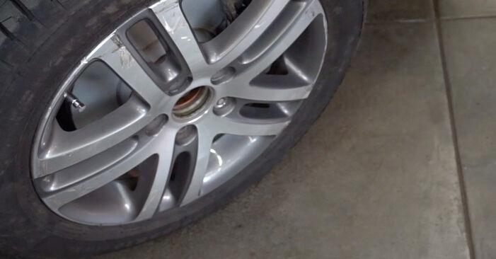 VW TOURAN 1.4 TSI Spurstangenkopf ausbauen: Anweisungen und Video-Tutorials online
