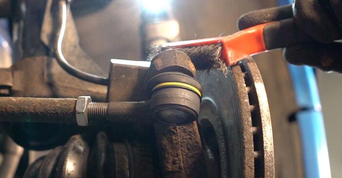 Jak trudno jest to zrobić samemu: wymień Końcówka drążka kierowniczego poprzecznego w Peugeot 206 cc 2d 1.6 HDi 110 2006 - pobierz ilustrowany przewodnik