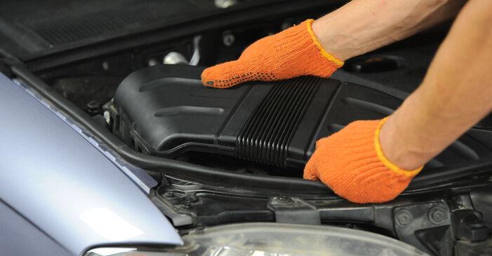 Comment changer Filtre à Air sur Audi A4 B7 Avant 2004 - Manuels PDF et vidéo gratuits
