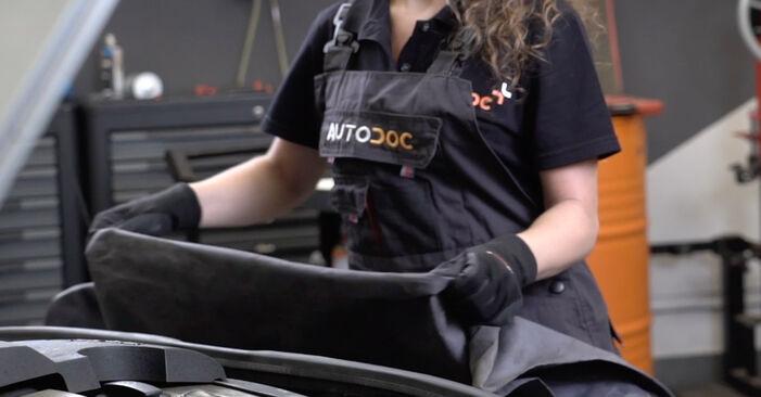 Comment remplacer AUDI A4 Avant (8ED, B7) 2.0 TDI 2005 Filtre à Air - manuels pas à pas et guides vidéo