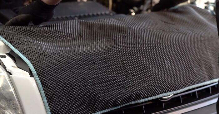 AUDI A4 1.9 TDI Ölfilter ausbauen: Anweisungen und Video-Tutorials online