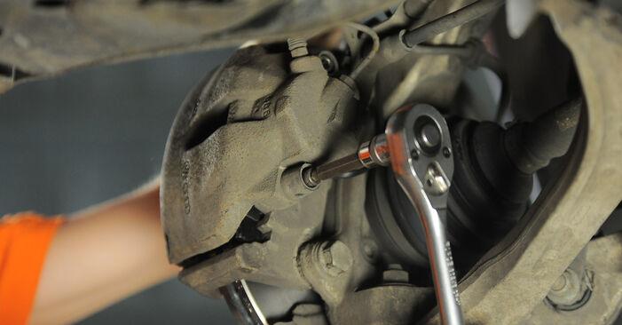 Steg-för-steg-rekommendationer för att byta Audi A4 b7 2007 2.0 TFSI quattro Bromsskivor på egen hand