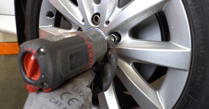Wie schwer ist es, selbst zu reparieren: Spurstangenkopf Mercedes W245 B 180 1.7 (245.232) 2011 Tausch - Downloaden Sie sich illustrierte Anleitungen