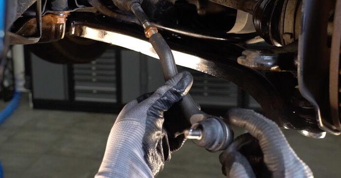 Schritt-für-Schritt-Anleitung zum selbstständigen Wechsel von Honda Insight ZE2/ZE3 2009 1.3 Hybrid (ZE2) Spurstangenkopf
