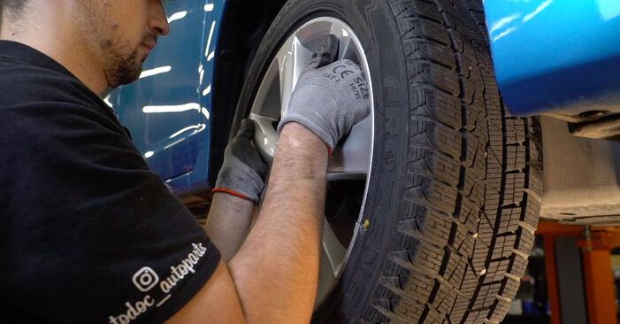 Spurstangenkopf beim HONDA INSIGHT 1.3 Hybrid (ZE2) 2016 selber erneuern - DIY-Manual
