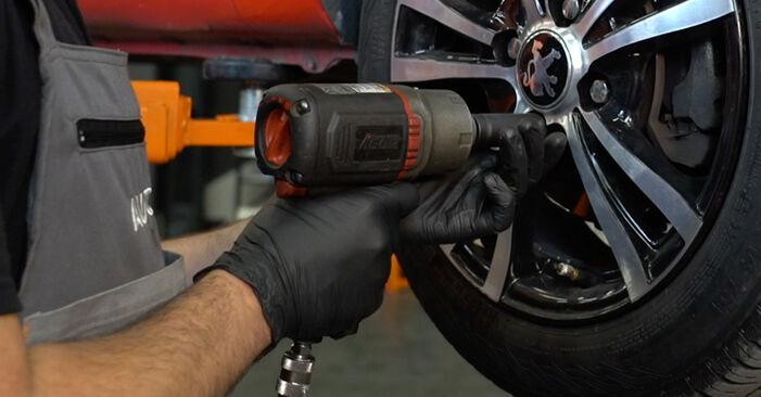 Changer Rotule De Direction sur PEUGEOT 107 3/5 portes (PM_, PN_) 1.4 HDi 2008 par vous-même