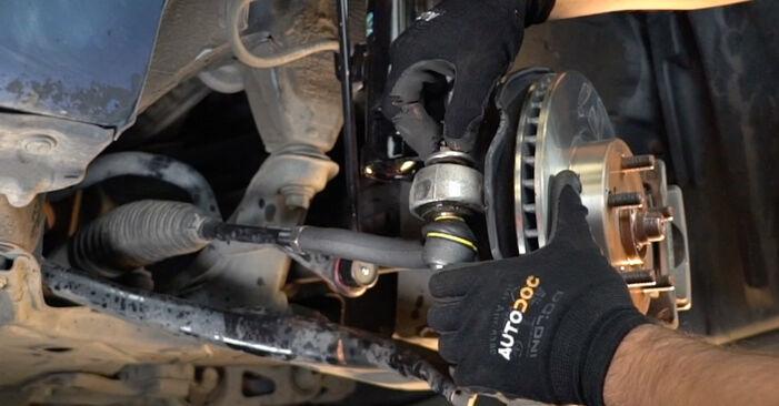Wie Spurstangenkopf Toyota Prius 2 1.5 (NHW2_) 2003 tauschen - Kostenlose PDF- und Videoanleitungen