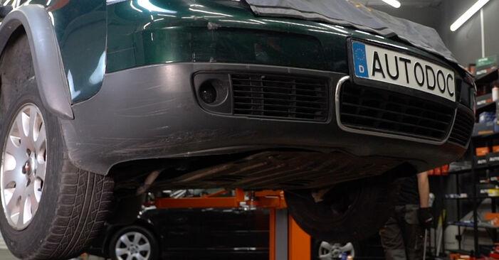 AUDI A6 Avant (4B5, C5) 2.5 TDI quattro 1998 Féltengely Csukló csere – minden lépést tartalmazó leírások és videó-útmutatók