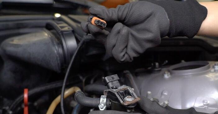 Kraftstofffilter BMW E39 Touring 525d 2.5 1997 wechseln: Kostenlose Reparaturhandbücher