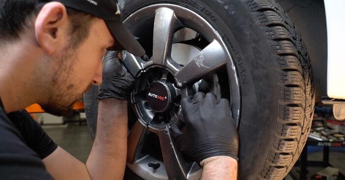 Spurstangenkopf beim VW POLO 1.6 TDI 2016 selber erneuern - DIY-Manual