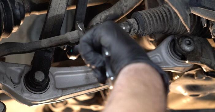 AUDI A4 3.0 TDI quattro Skersinės vairo trauklės galas keitimas: internetiniai gidai ir vaizdo pamokos