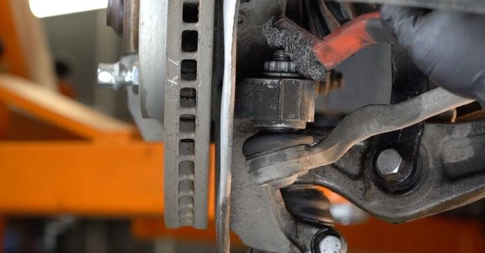 Kaip pakeisti Skersinės vairo trauklės galas AUDI A4 Sedanas (8K2, B8) 2012: atsisiųskite PDF instrukciją ir vaizdo pamokas