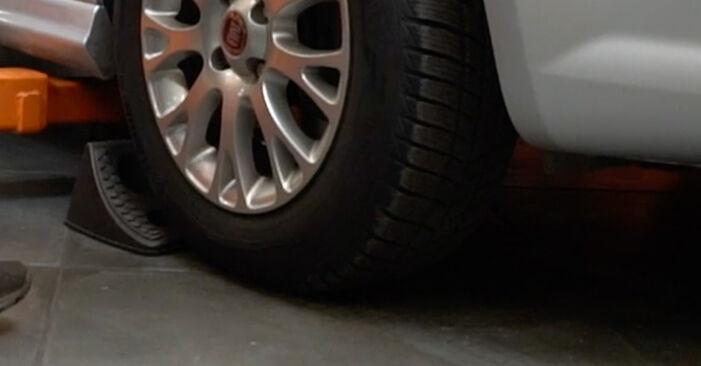 Kaip pakeisti Skersinės vairo trauklės galas la Fiat Punto 199 2005 - nemokamos PDF ir vaizdo pamokos