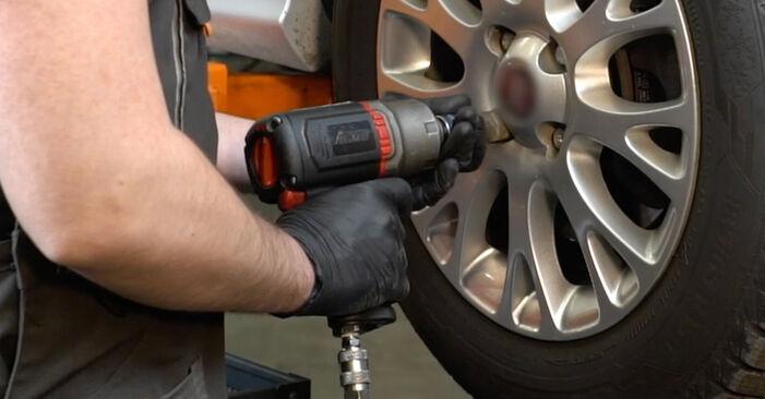 Savarankiškas FIAT GRANDE PUNTO (199) 1.4 16V 2008 Skersinės vairo trauklės galas keitimas