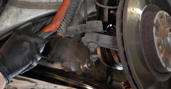 Kaip pakeisti Skersinės vairo trauklės galas FIAT GRANDE PUNTO (199) 2010: atsisiųskite PDF instrukciją ir vaizdo pamokas