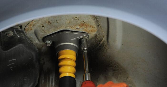 Wie schwer ist es, selbst zu reparieren: Domlager Audi A4 B7 Avant 1.8 T 2005 Tausch - Downloaden Sie sich illustrierte Anleitungen