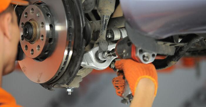 Wie schwer ist es, selbst zu reparieren: Domlager Audi A4 b7 1.8 T 2008 Tausch - Downloaden Sie sich illustrierte Anleitungen