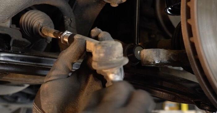 Ersetzen Sie Spurstangenkopf am Opel Zafira A 2002 2.0 DTI 16V (F75) selbst