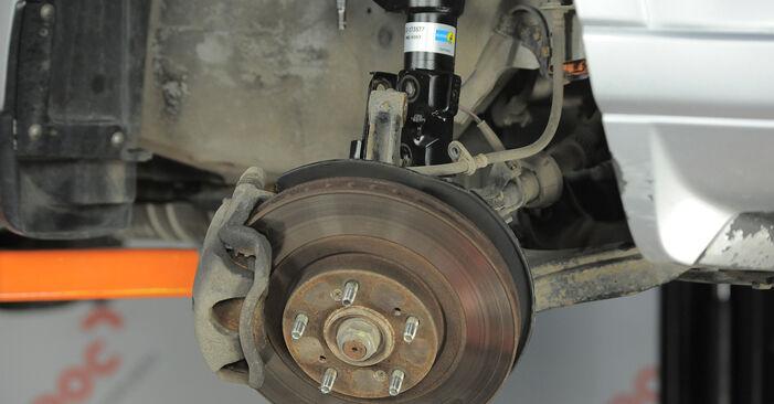 Wie Spurstangenkopf FORD Fiesta Mk5 Schrägheck (JH1, JD1, JH3, JD3) 1.4 16V 2002 austauschen - Schrittweise Handbücher und Videoanleitungen