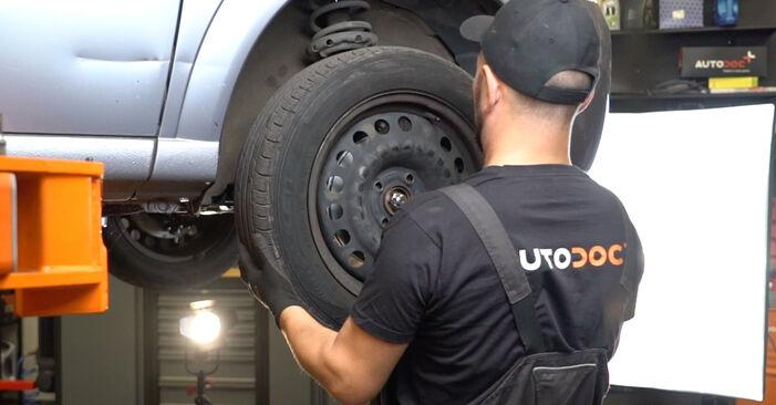 À quel point est-il difficile de le faire soi-même : télécharger le guide illustré pour le changement de Rotule De Direction sur Opel Meriva x03 1.7 DTI (E75) 2009
