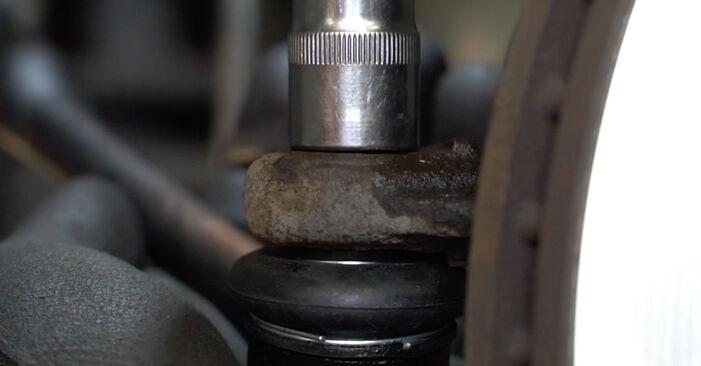 Schritt-für-Schritt-Anleitung zum selbstständigen Wechsel von Peugeot 207 WA 2009 1.6 16V VTi Spurstangenkopf