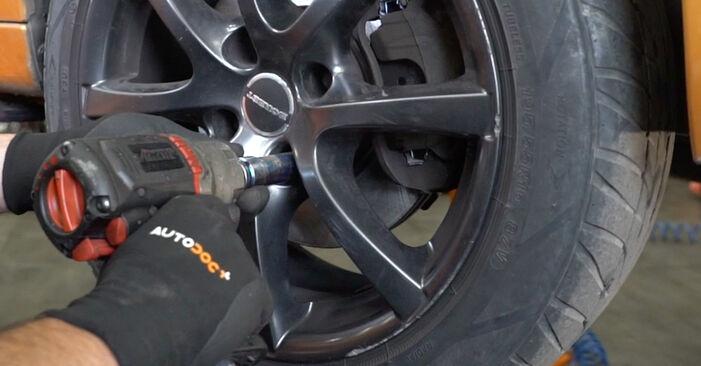 Wie schwer ist es, selbst zu reparieren: Spurstangenkopf Peugeot 207 WA 1.6 16V RC 2012 Tausch - Downloaden Sie sich illustrierte Anleitungen