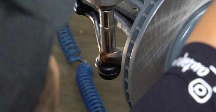 Schritt-für-Schritt-Anleitung zum selbstständigen Wechsel von Nissan Qashqai j10 2011 1.6 dCi Spurstangenkopf