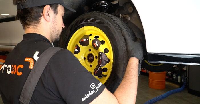 Mennyi ideig tart a csere: Vezetőkar fej Renault Clio 3 2013 - tájékoztató PDF útmutató