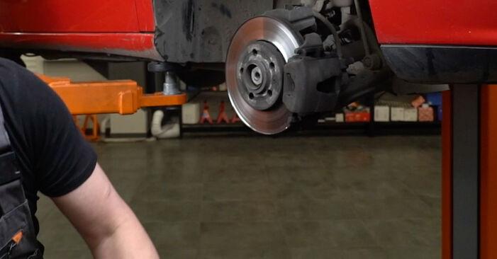 Hvordan man fjerner SEAT IBIZA 1.4 TDI 2006 Styrekugle - nem at følge online instruktioner