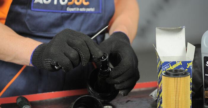 Wie Ölfilter HONDA CR-V II (RD_) 2.2 CTDi (RD9) 2002 austauschen - Schrittweise Handbücher und Videoanleitungen